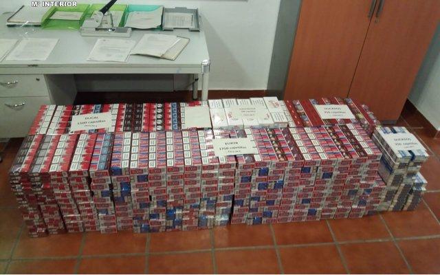 Detenida en San Roque (Cádiz) la conductora de un turismo con más de 4.500 cajetillas de tabaco de contrabando