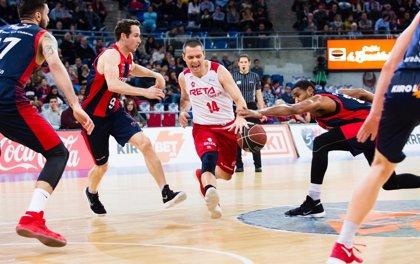 El veterano Javi Salgado renueva una temporada con el Bilbao Basket