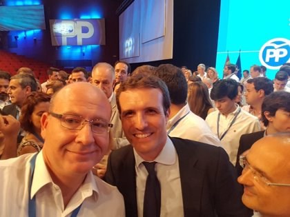 """El alcalde de Jaén felicita a Casado y llama a """"trabajar todos juntos para que el PP recupere el espacio perdido"""""""