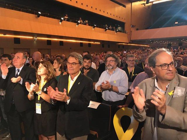 Quim Torra, Artur Mas, Marta Pascal y Alex Salmond en la Assemblea del PDeCAT