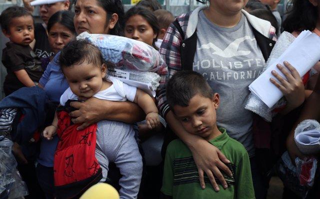 Estados Unidos alcanza su máximo nivel de detención de migrantes en una década