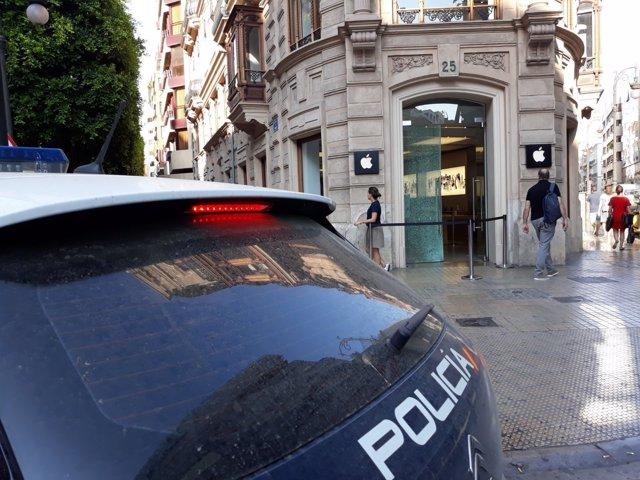 Assalten la botiga Apple de València