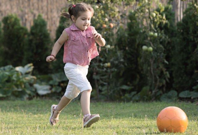 6 Juegos Con Balon Para Mejorar La Psicomotricidad De Los Ninos