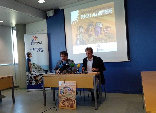 Colomer y Móner presentando AvacuTurisme