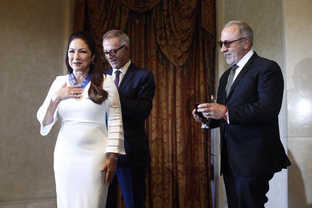 José Guirao entrega la Medalla de Oro de Bellas Artes a Gloria Estefan
