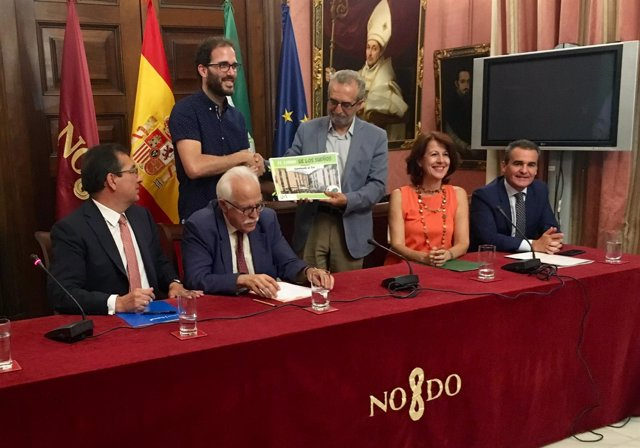 Firma del convenio 'Igualando al Sur'