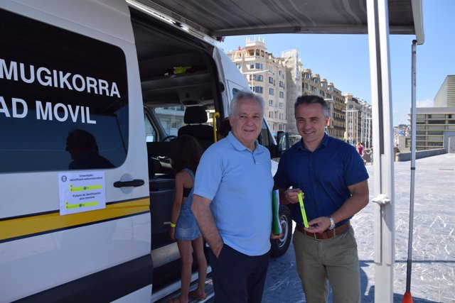 Presentación campaña pulseras identificativas en San Sebastián