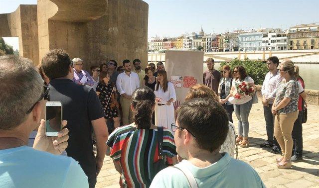 Verónica Pérez en el muelle de la sal en el VII aniversario del atentado de Utoy