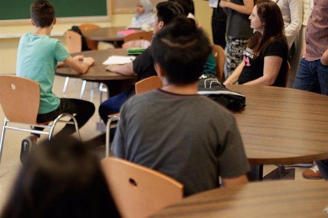 Estudiantes en un colegio