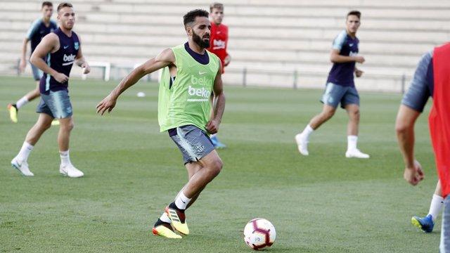 Douglas Pereira entrenando con el Barcelona