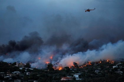 Al menos 74 muertos por los incendios declarados en los alrededores de Atenas