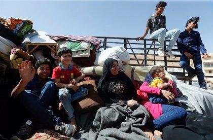 Cerca de 900 refugiados sirios en Líbano empiezan a regresar a sus viviendas en la región de Qalamun