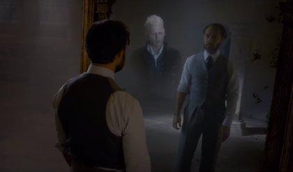 Animales Fantásticos 2: ¿Qué significa la visión de Dumbledore en el Espejo de Oesed?