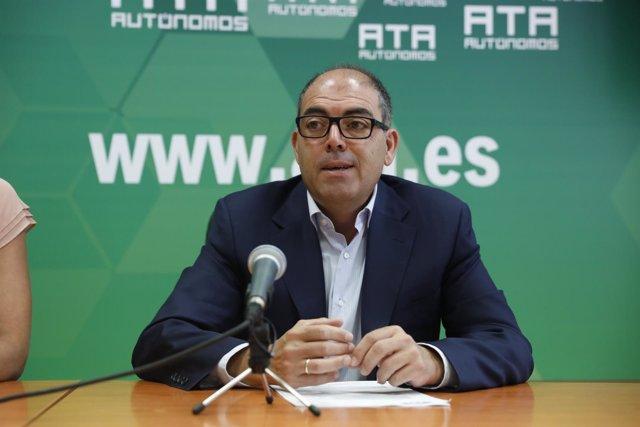 El presidente de ATA, Lorenzo Amor, presenta en Madrid un informe sobre los hábi