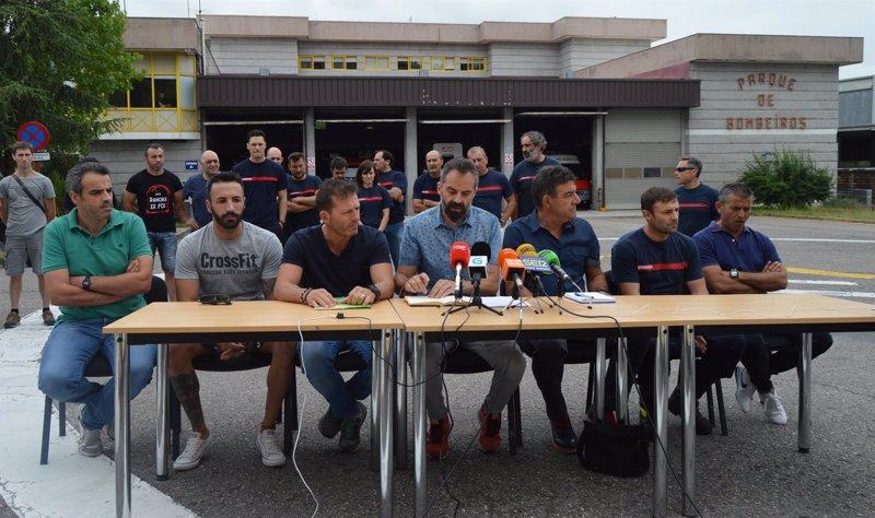 Los bomberos de ourense solicitan al ayuntamiento convocar for Trabajos por debajo de la mesa