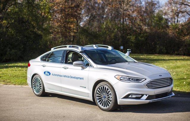 Ford Fusion híbrido autónomo