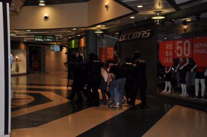 Simulacro de ataque terrorista en un centro comercial de Ávila