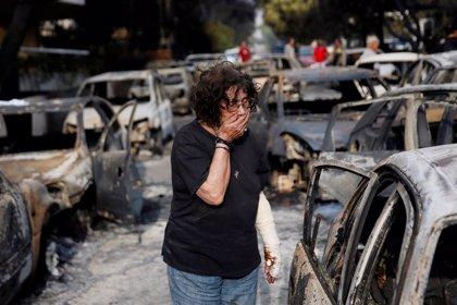 Al menos 80 muertos por los incendios en los alrededores de Atenas, según el último balance