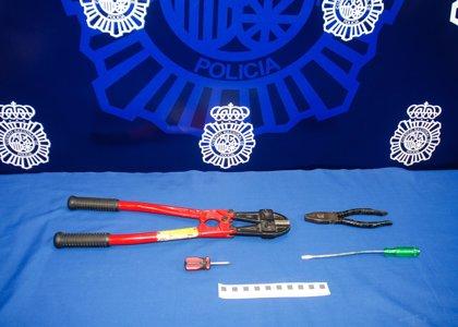 Sorprenden a tres jóvenes robando bicicletas en un trastero de una vivienda de Valladolid