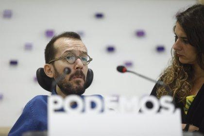 Podemos relativiza la polémica sobre el uso de Sánchez del avión oficial porque no es lo que más afecta a los ciudadanos