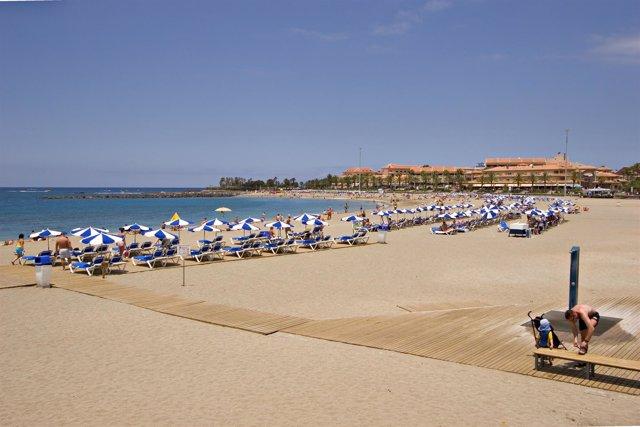 Resultado de imagen de El mercado español crece un 2,8 % en el primer semestre empujado por el turismo canario