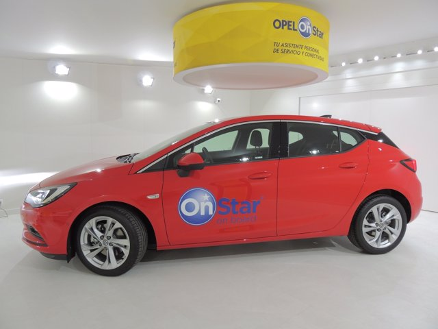 Opel Astra OnStar