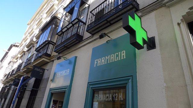 Una farmacia, fachada de farmacia