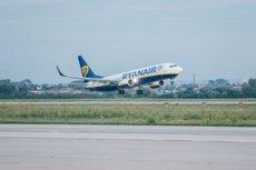 Agències de viatges catalanes demanen al Govern central regular el dret de vaga en el sector aeri (RYANAIR - Archivo)