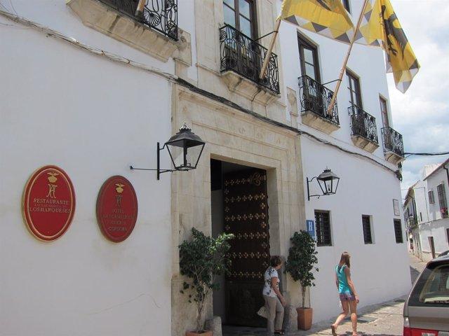 El consejero de Turismo y la alcaldesa de Córdoba se oponen a una ...
