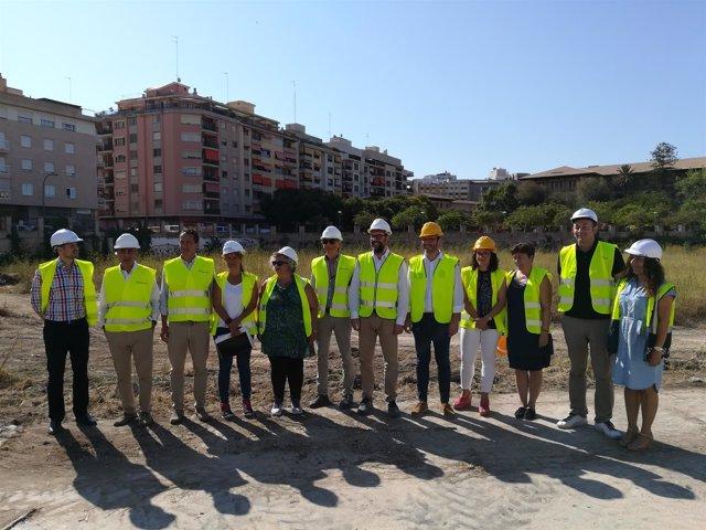 Noguera visita las obras del futuro bosque urbano en el canódromo de Palma