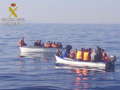 """El Servicio Jesuita a Migrantes rechaza """"hablar de llegadas masivas o invasión"""" ante el aumento de pateras en las costas"""