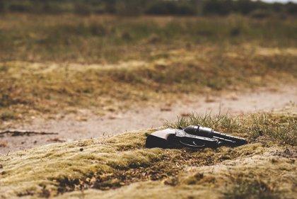 La Fiscalía colombiana entrega las tierras requisadas por grupos paramilitares a víctimas del conflicto