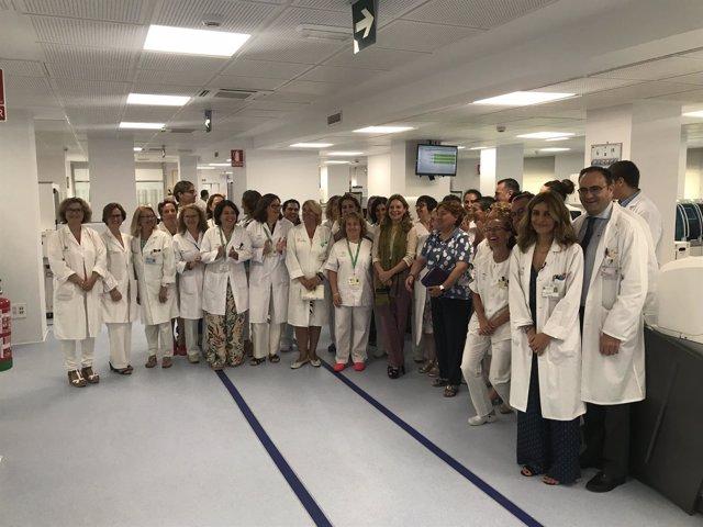 La consejera de Salud, Marina Álvarez, ha visitado los Laboratorios del Macarena