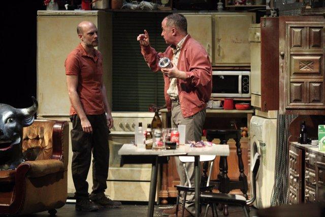 El actor Luis Bermejo en la representación de la obra de teatro Los Mariachis