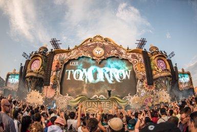 El festival Tomorrowland torna a Catalunya aquest dissabte (BLANCO Y NEGRO)