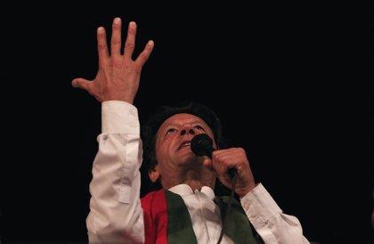 El PTI se impone en las elecciones generales en Pakistán pero deberá buscar alianzas para formar Gobierno