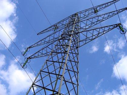 """La Junta saluda el """"desbloqueo"""" del Eje eléctrico de alta tensión Caparacena-Baza-La Ribina"""