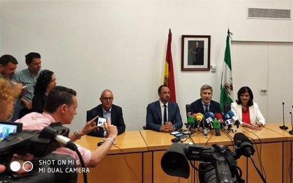 Grande-Marlaska acude a Algeciras para supervisar el dispositivo de atención a inmigrantes