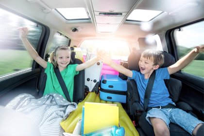 Cómo divertir a los niños en el coche durante un largo viaje
