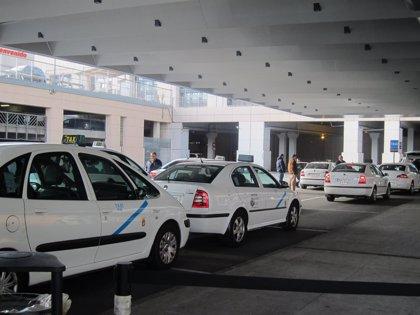 Taxistas malagueños celebran este domingo una asamblea para analizar situación del sector y decidir si inician acciones
