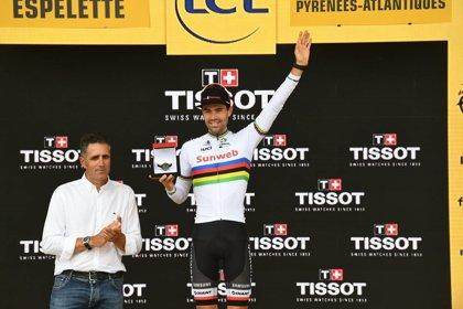 "Tom Dumoulin: ""Gracias a una costurera jubilada he podido correr con el maillot arcoíris"""