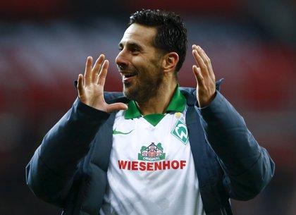 El peruano Claudio Pizarro vuelve inesperadamente al Werder Bremen