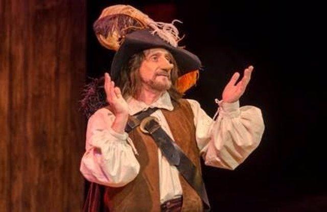 José Luis Gil como Cyrano de Bergerac