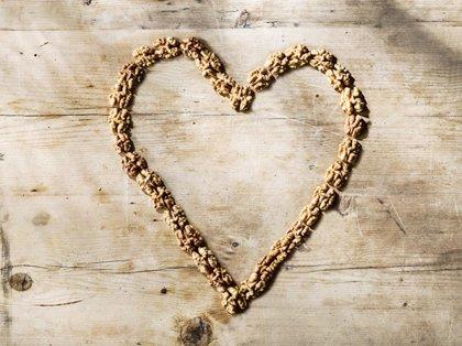 Confirman los beneficios de las nueces para la salud cardiovascular