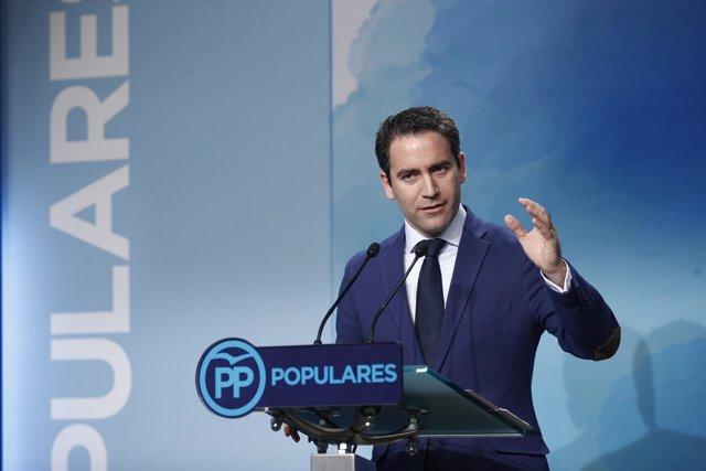 El secretario general del Partido Popular, Teodoro García, da una rueda de prens