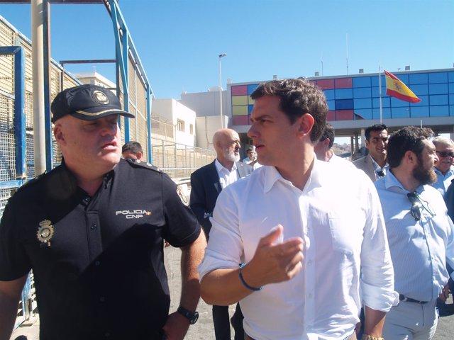 Albert Rivera visita el perímetro fronterizo de Ceuta