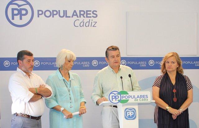 Antonio Sanz en rueda de prensa en la sede del PP en Cádiz