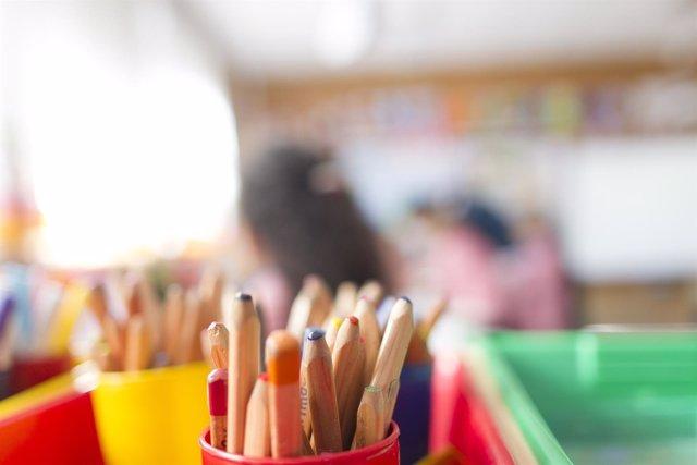 Colegio, aula, primaria, infantil, clase, niño, niña, niños, escribir