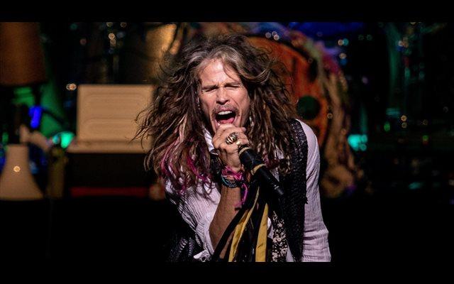 Steven Tyler la lía parda en el Teatro Real encadenando clásicos de Aerosmith