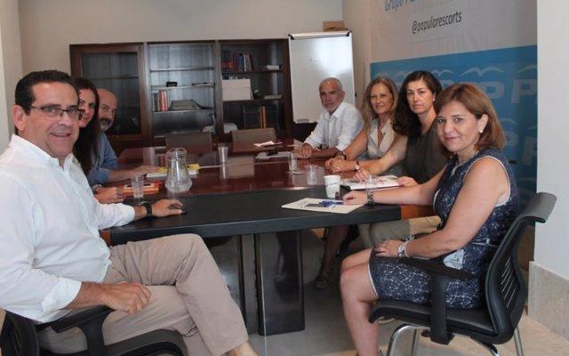 Reunió del PP amb entitats que han interposat el recurs